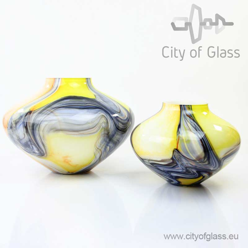 Glass vase in yellow and grey by Loranto
