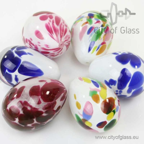 Glass egg by Loranto