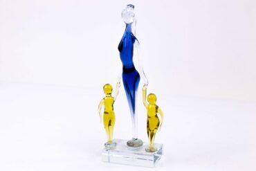 Moeder met Kinderen Glassculptuur