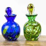 parfumflesjes groen en blauw,