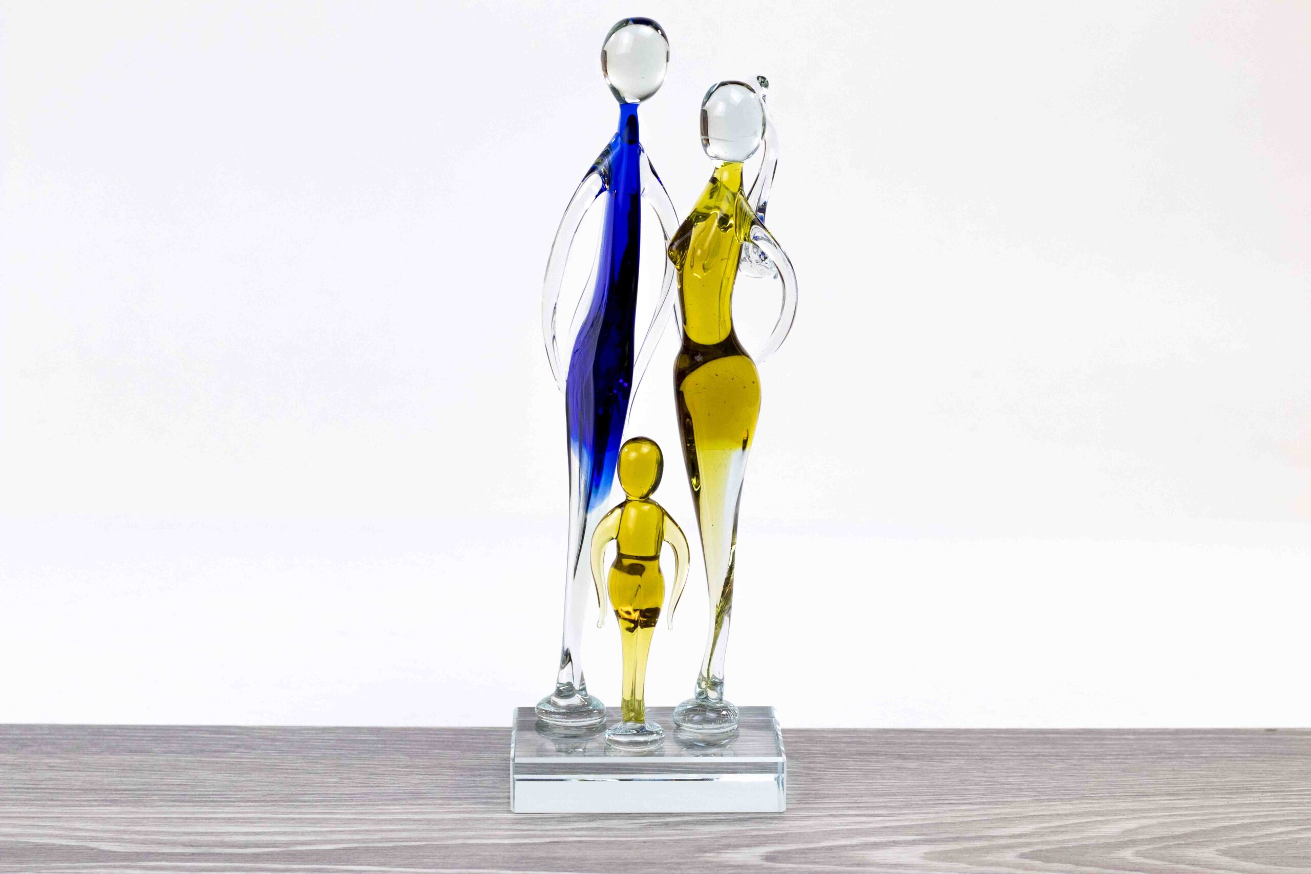 Vader moeder en kind, glas beeld gezin met 3 personen