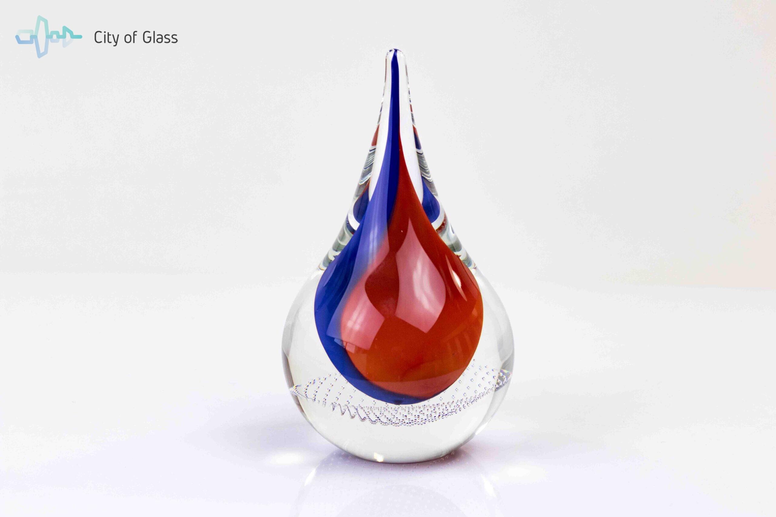 luxe glascadeau kristallen druppel blauw rood,