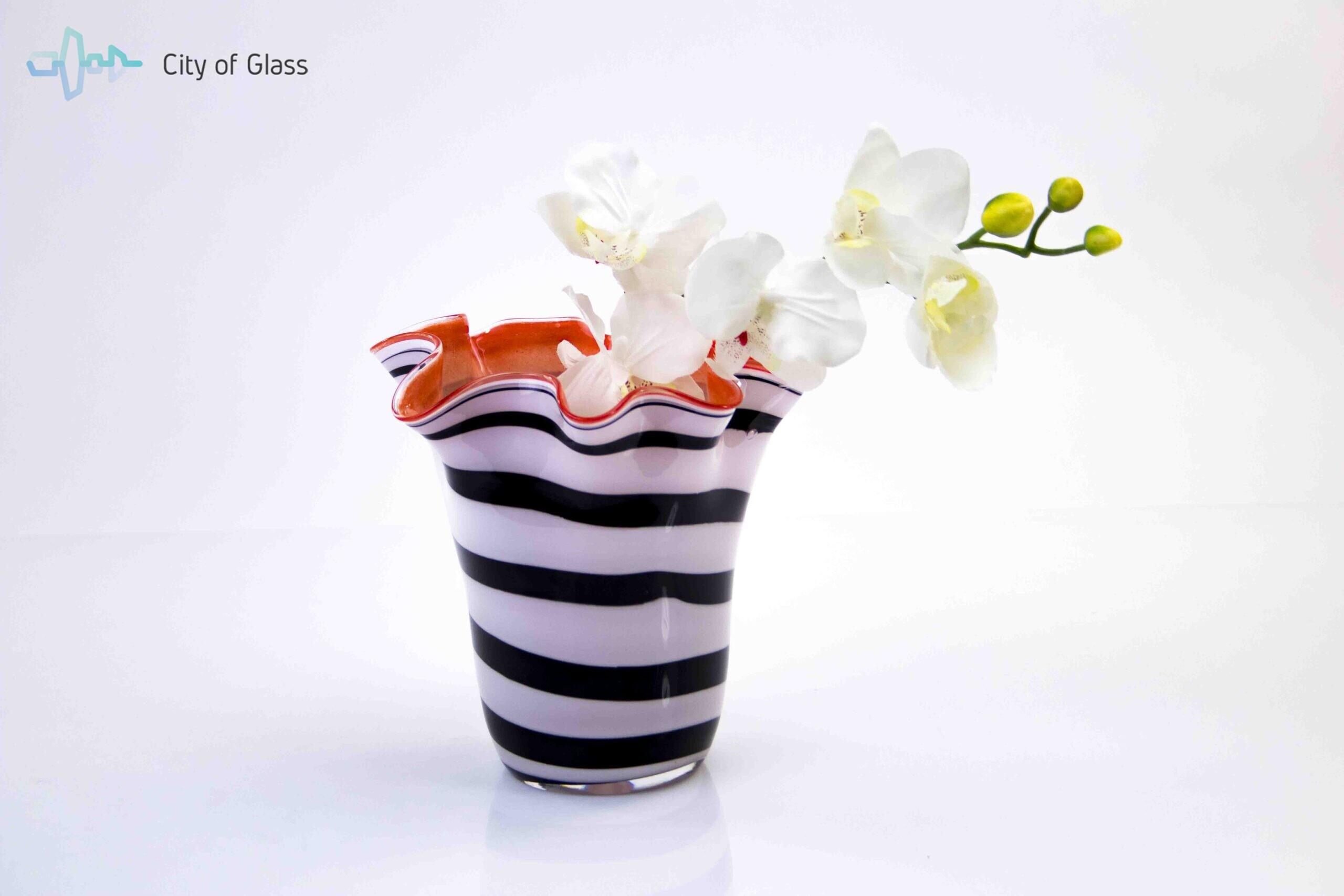 bloemenvaas zebra met rode binnenkant,